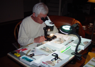 Dr Tom Jerzykiewicz - Thin section microscope investigations at Geoclastica